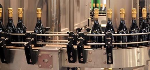 Weinflaschen auf der SIMEI@drinktec