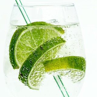 a glas of gin