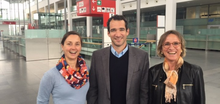 Christina Maier (drinktec), Alexander Berger (PRO FachHANDEL) and Miss drinktec Petra Westphal are very happy about the cooperation