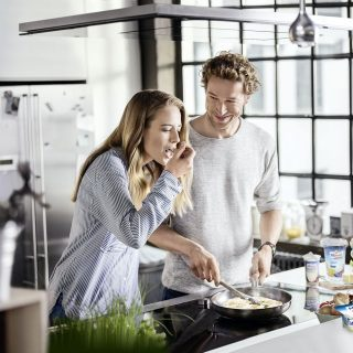 Die Bedürfnisse und Wünsche der Konsumenten spiegeln sich in der enormen Vielfalt der Produkte von Molkereien wider. Laktosefrei ist beispielsweise beliebt.