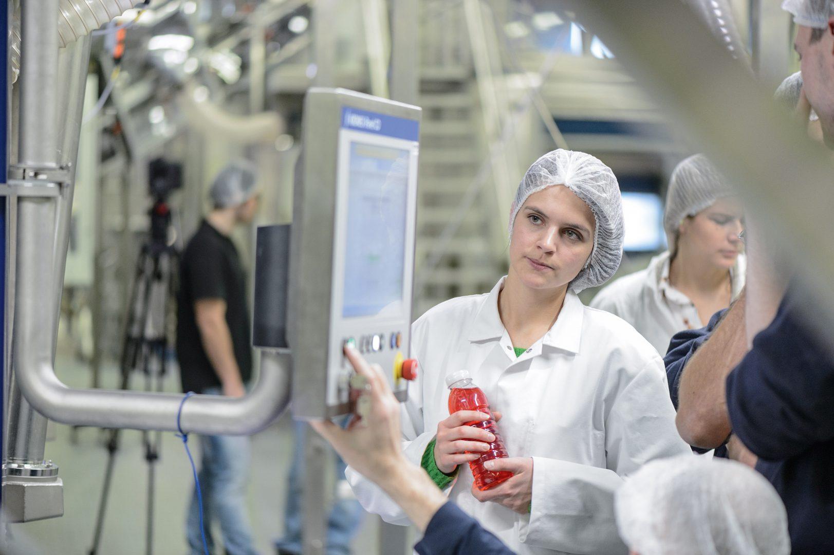 Keine Konservierungsstoffe, dafür reichlich Vitamine und gesunde Inhaltsstoffe: Verbraucherwünsche, die sich durch aseptische Kaltabfüllung erfüllen lassen.