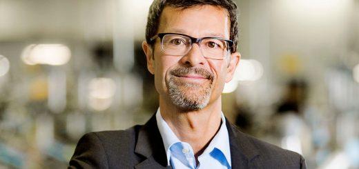 A portrait of Helmut Schmid