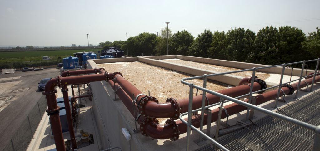 Abwasseraufbereitung durch Rohre