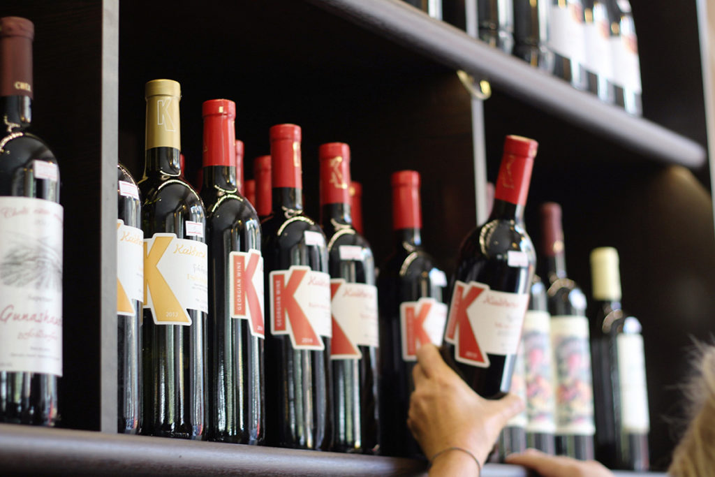 Das deutsche Kaufverhalten beim Wein: Discounter und Supermärkte sind Spitzenreiter.