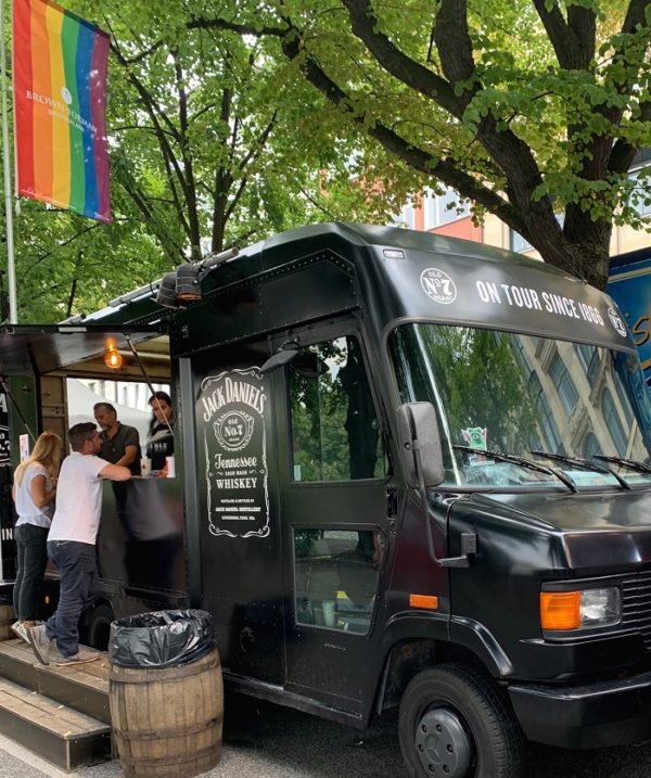 Jack Daniels Wagen bei Pride Veranstaltung