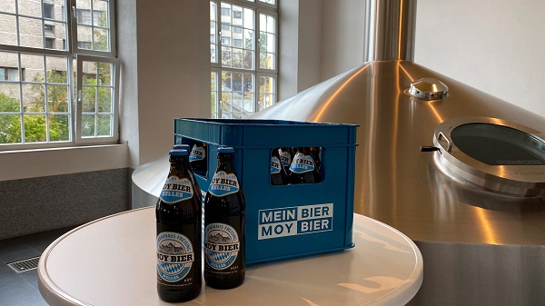 Moy beer in bottle and box